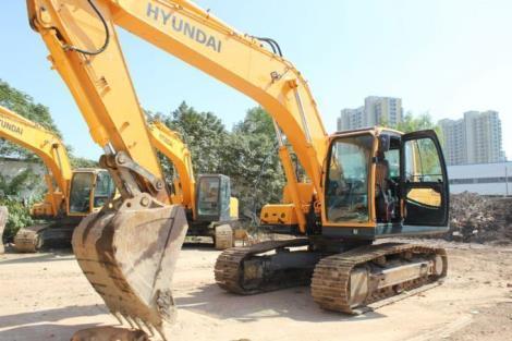 现代二手215-9C挖掘机